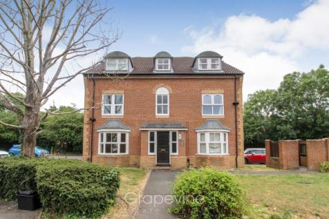 Mannock Way, Woodley, Reading. 2 bedroom flat