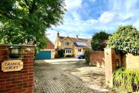 Grange Lane, Hartley Wintney. 5 bedroom detached house for sale