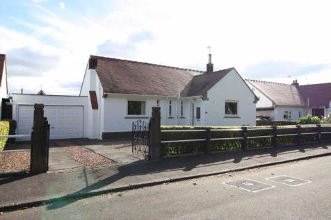 7 Dollar Road, Tillicoultry. 3 bedroom detached bungalow for sale