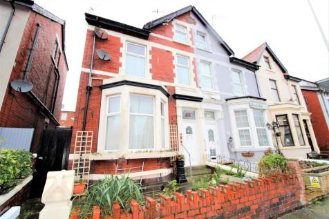Palatine Road, Blackpool, FY1. 4 bedroom end of terrace house for sale