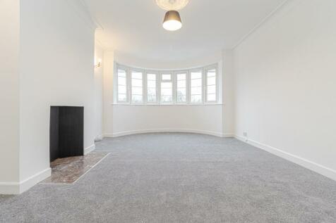 Beaufort Park, Hampstead Garden Suburb. 4 bedroom flat