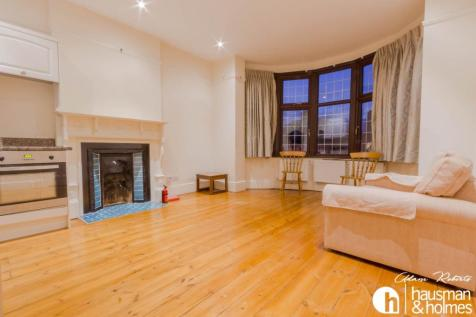 Woodstock Avenue, Golders Green. 1 bedroom flat