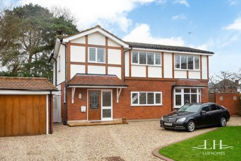 Chase House Gardens, Emerson Park, Hornchurch. 5 bedroom detached house for sale