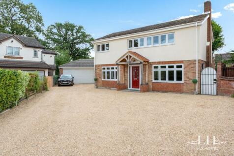 Barleycorn Way, Hornchurch. 4 bedroom detached house for sale