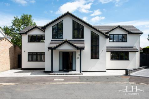 The Sheilings, Hornchurch. 4 bedroom detached house for sale