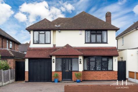 Nelmes Crescent, Hornchurch. 4 bedroom detached house for sale