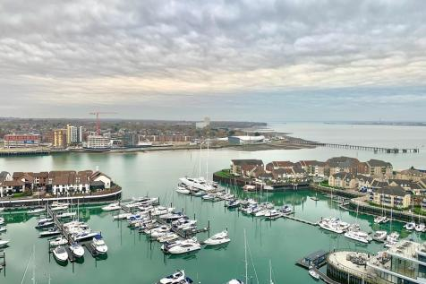 Ocean Way, Southampton. 3 bedroom apartment