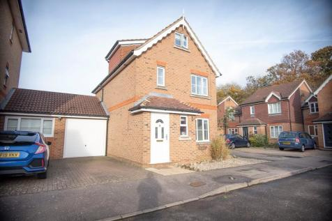 Blackdown Close, Stevenage. 5 bedroom link detached house for sale