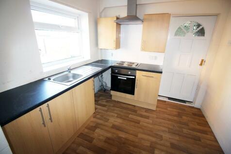 Birkhall Road, Middlesbrough, TS3 9JP. 3 bedroom semi-detached house
