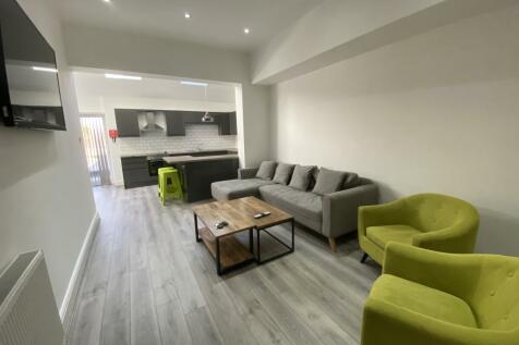 211 Smithdown Road. 9 bedroom house