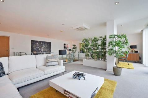 130 City Point, 1 Solly Street, City Centre, Sheffield. 2 bedroom apartment for sale