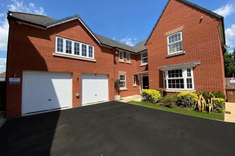 Huntsham Road, Exeter. 5 bedroom detached house for sale