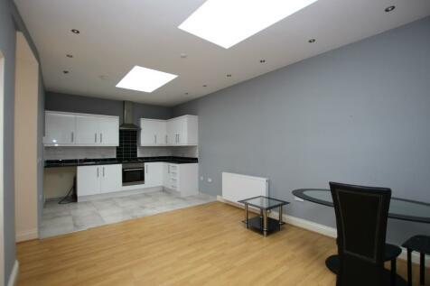 Brighton Road, Redhill, Surrey, RH1. 2 bedroom flat