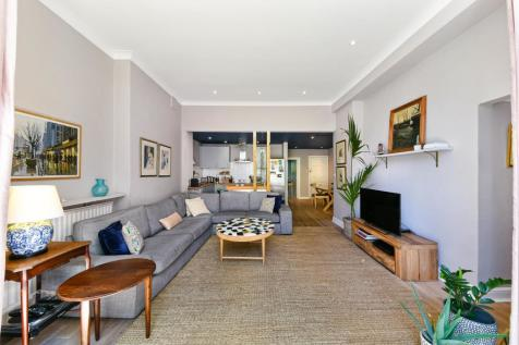 Compayne Gardens, West Hampstead, London, NW6. 3 bedroom apartment for sale