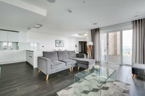 New Drum Street, London, E1. 3 bedroom apartment