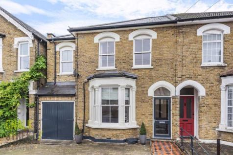 Manor Road, Romford, RM1. 4 bedroom semi-detached house for sale