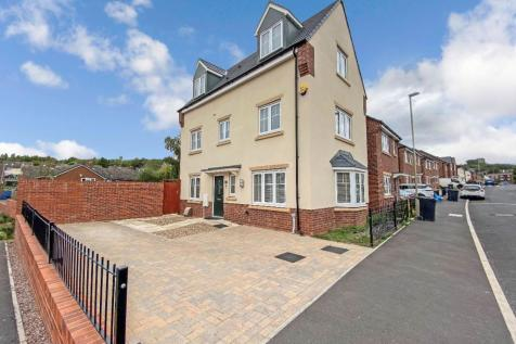 Spring Pool Meadow, Dudley. 4 bedroom detached house