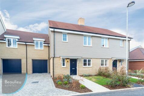 Joseph Prentice Way, Beaulieu Heath, Chelmsford, Essex, CM1. 3 bedroom terraced house