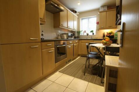 Carmichael Close, Ruislip Gardens. 1 bedroom apartment