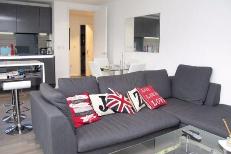 Buckhold Road, London, SW18 4FW. 1 bedroom flat