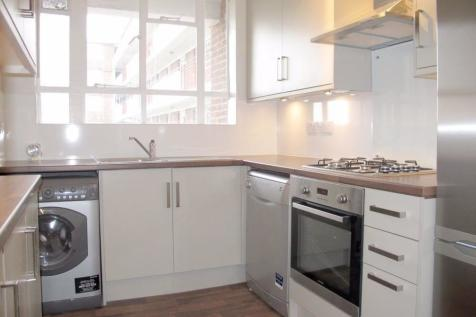 Fernwood, Albert Drive, London, SW19 6LR. 3 bedroom flat