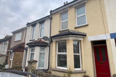 Cecil Road, Rochester, Kent. 3 bedroom terraced house