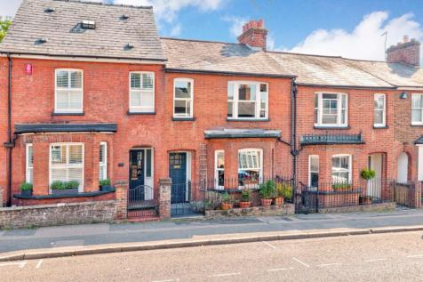 Holywell Hill, St. Albans, Hertfordshire, AL1. 3 bedroom terraced house