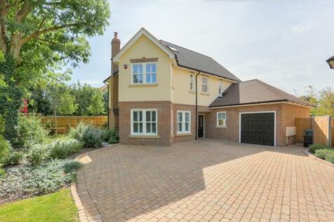 Watling Street, St. Albans, Hertfordshire, AL1. 4 bedroom detached house for sale