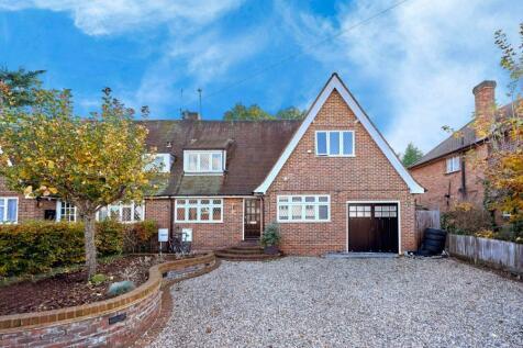 Gainsborough Avenue, St. Albans, Hertfordshire, AL1. 4 bedroom semi-detached house for sale