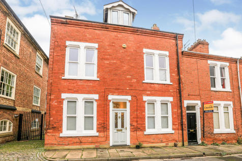 Smales Street, York, YO1. 5 bedroom end of terrace house for sale