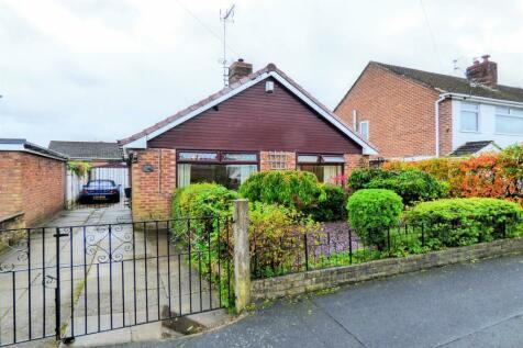 Parksway, Woolston, Warrington. 2 bedroom detached bungalow for sale