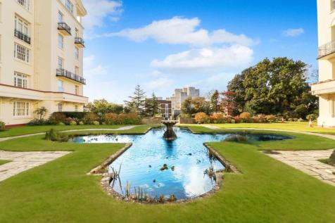 Bath Hill Court, Bournemouth. 3 bedroom apartment