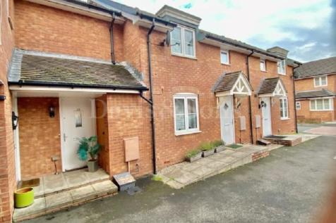 Seabreeze Drive, Newport, Gwent. NP19 0LF. 2 bedroom terraced house