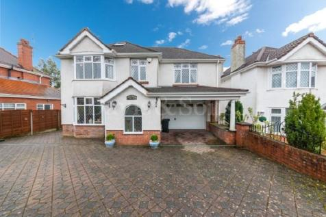 Tregarn Road, Langstone, Newport. NP18 2JS. 5 bedroom detached house