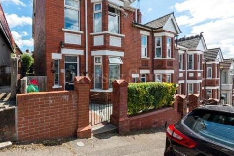 Batchelor Road, Newport, Gwent. NP19 8GU. 3 bedroom end of terrace house