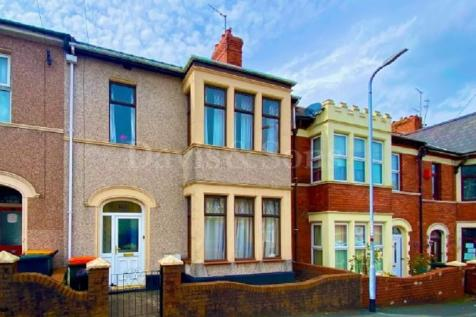 Somerset Road, Off Caerleon Road , Newport. NP19 7GB. 4 bedroom terraced house
