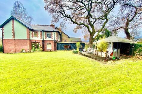 7 Brynhyfryd, Croesyceiliog, Torfaen. NP44 2ET. 3 bedroom detached house for sale