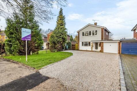 Farhalls Crescent, Horsham, RH12. 3 bedroom detached house for sale