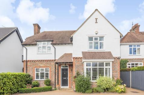 Warnham Road, Horsham, RH12. 4 bedroom detached house