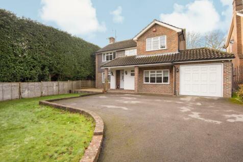 Kerves Lane, Horsham, RH13. 4 bedroom detached house for sale