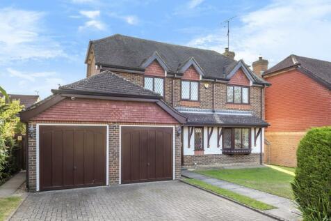 Lemmington Way, Horsham, RH12. 4 bedroom detached house for sale