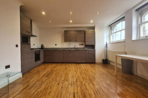 Commercial Street, London, E1. 2 bedroom apartment