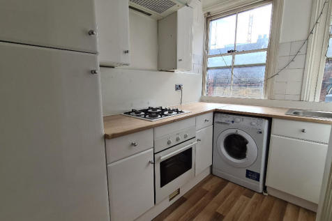 Middlesex Street, London, E1. 3 bedroom apartment