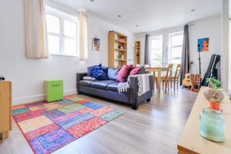 Equity Square, London, E2. 1 bedroom ground floor flat