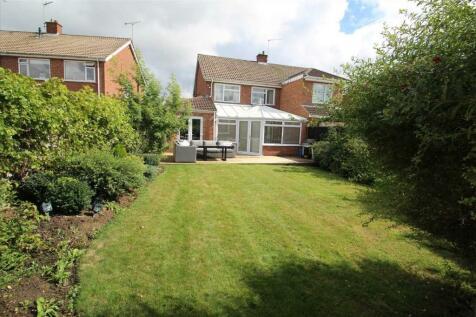 Aldercroft Road, Ipswich. 3 bedroom semi-detached house