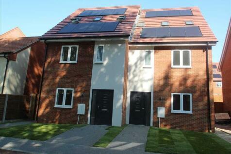 Fulham Way, Ipswich. 4 bedroom semi-detached house for sale