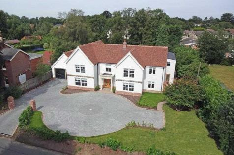 The White House, Gaston Street, East Bergholt. 6 bedroom house for sale