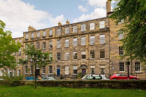 31/4 Gayfield Square, Edinburgh, EH1 3PA. 3 bedroom flat for sale