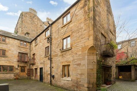 3/3 Porteous Pend, 25 Grassmarket, Edinburgh, EH1 2HP. 1 bedroom flat for sale