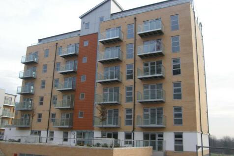 Queen Mary Avenue, E18. 1 bedroom flat